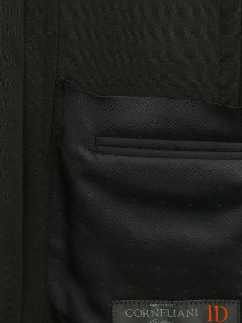 Пиджак из тонкой шерсти - Деталь