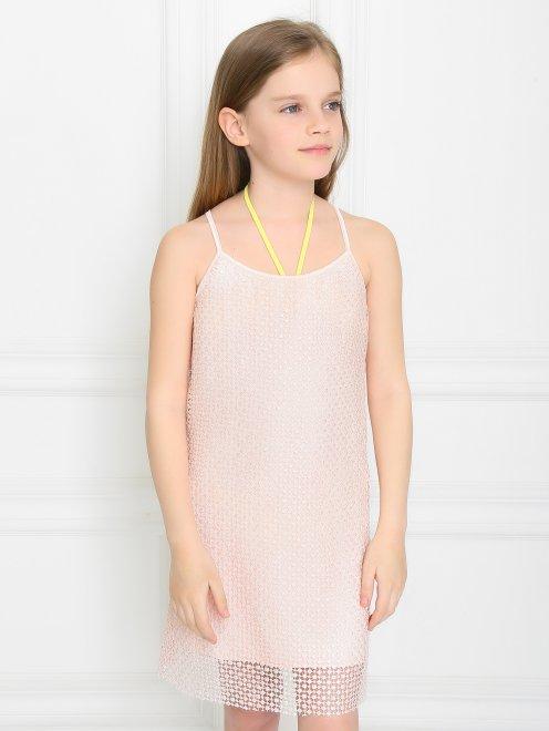 Фактурное платье на тонких бретелях - Модель Верх-Низ