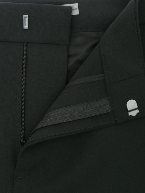 Укороченные брюки с карманами - Деталь1
