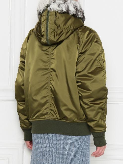 Куртка утепленная с меховым капюшоном - МодельВерхНиз1