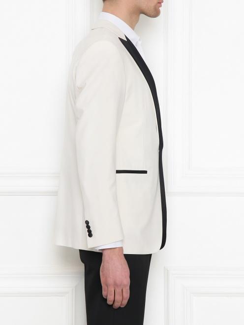 Пиджак с контрастной вставкой - МодельВерхНиз2