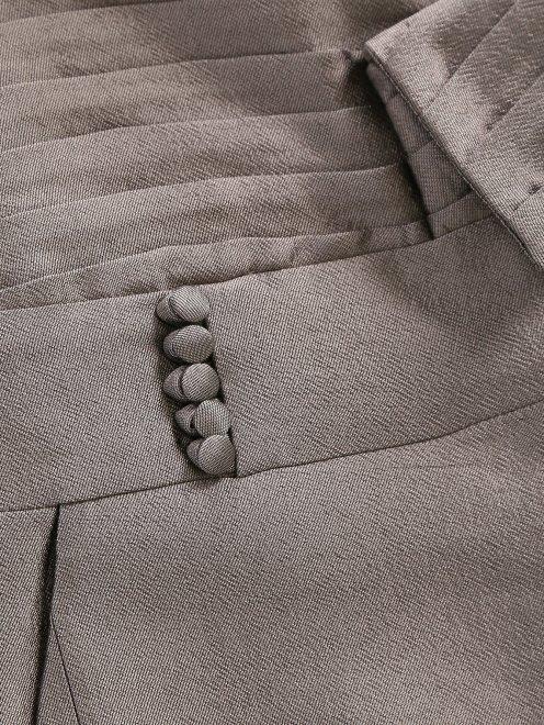Прямые брюки с декорацией - Деталь