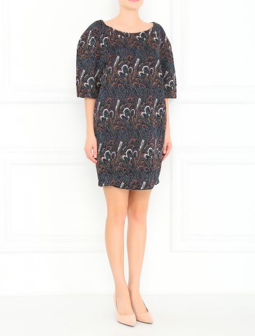 Платье с короткими рукавами и узором - Общий вид