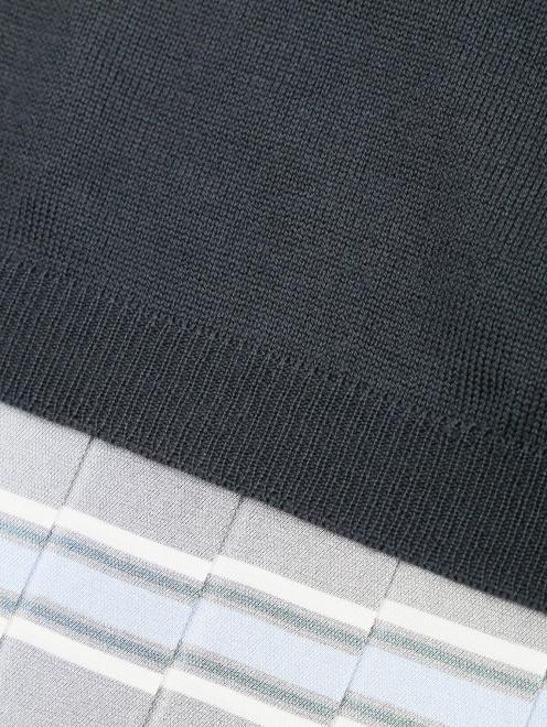 Джемпер из шерсти с контрастной вставкой - Деталь