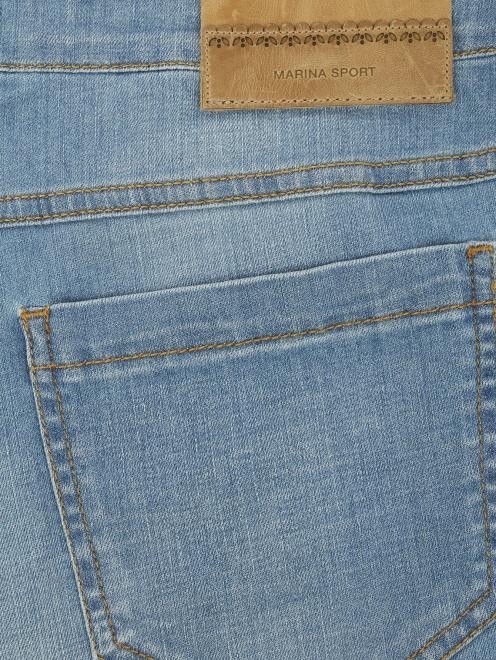 Укороченные джинсы прямого кроя - Деталь