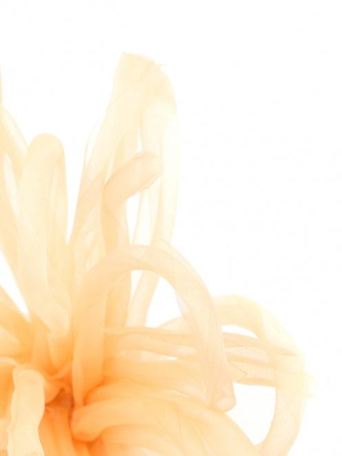 Брошь из текстиля в форме цветка - Деталь