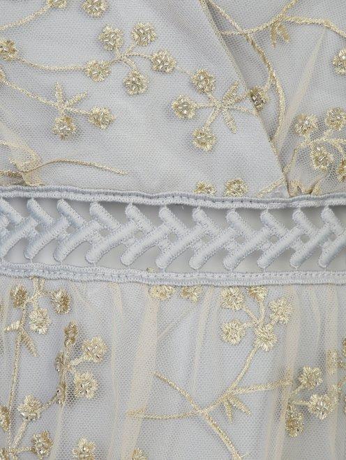 Платье-мини с узором и декоративными бантами - Деталь