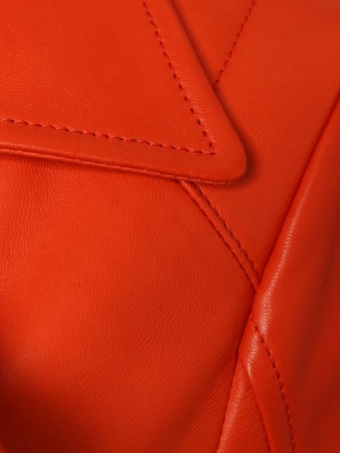 Куртка кожаная на молнии  - Деталь