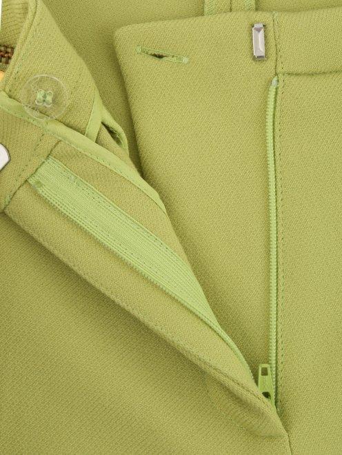 Укороченные брюки с металлической фурнитурой - Деталь1
